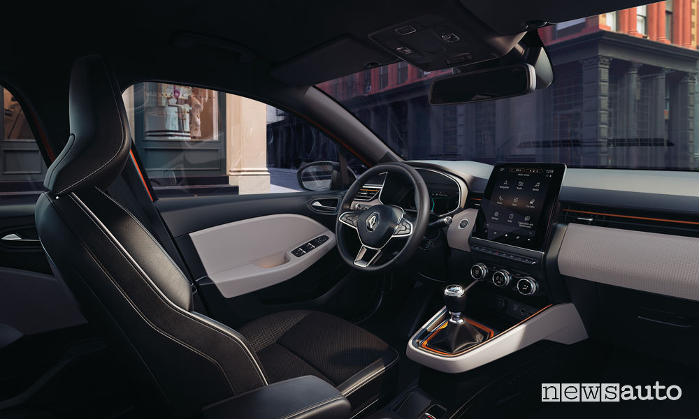 Sedili anteriori e interni Renault Clio 2020