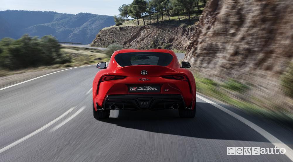 Nuova Toyota Supra rossa 2019, vista posteriore