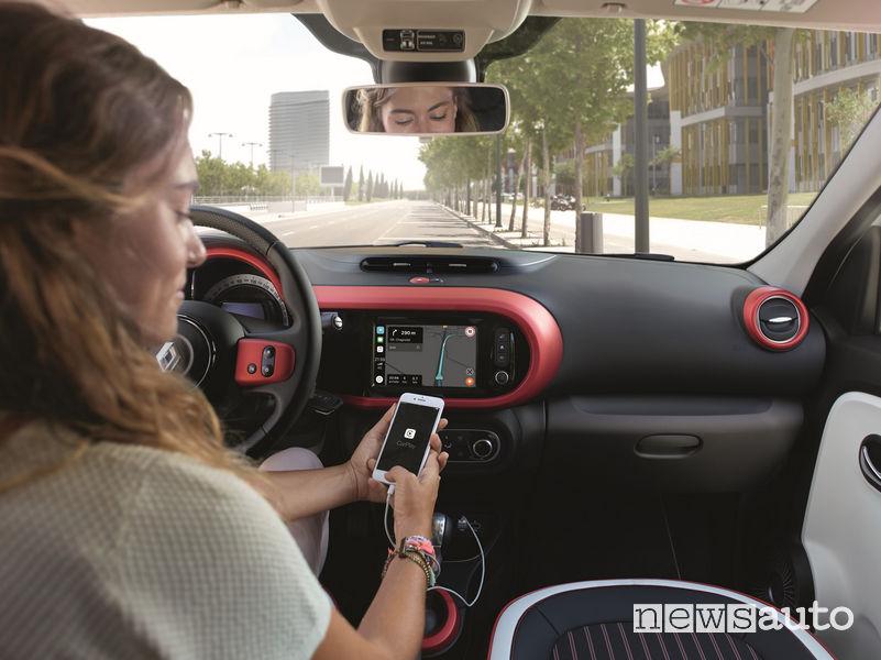 Nuova Renault Twingo, Apple CarPaly