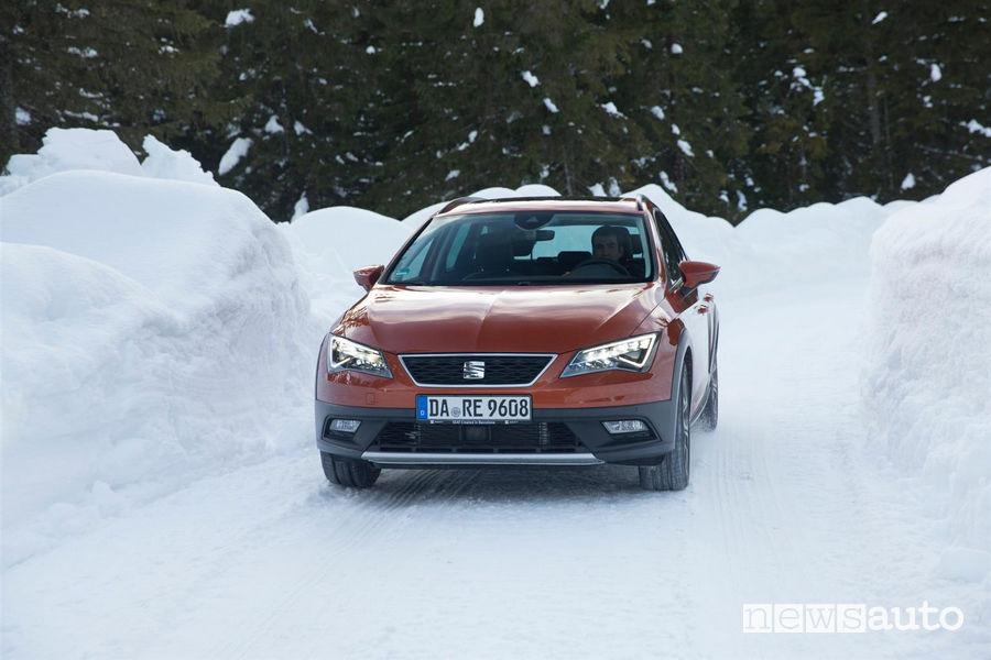 Seat Leon 4Drive neve Come si guida in salita e discesa sulla neve