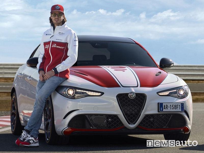Alfa Romeo Giulia Quadrifoglio livrea F1 con Antonio Giovinazzi