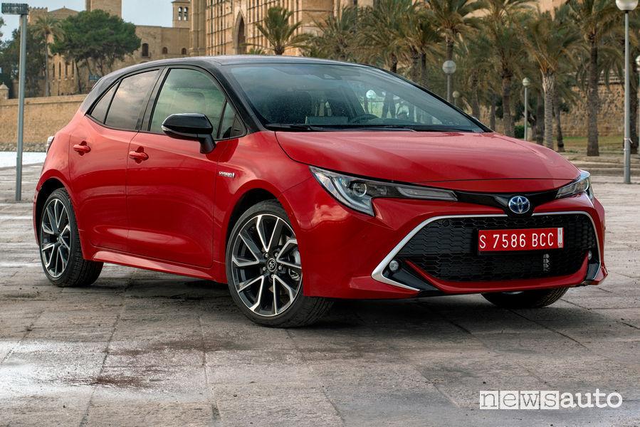 Toyota Corolla Hatchback 2019, vista di profilo
