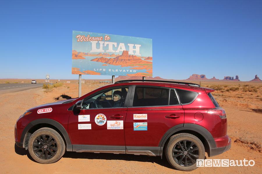 Toyota RAV4 nel deserto nell'UTAH