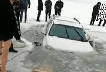 Auto-sprofonda-nel-lago-ghiacciato