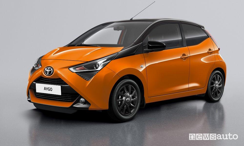 Toyota Aygo x-cite, vista di profilo