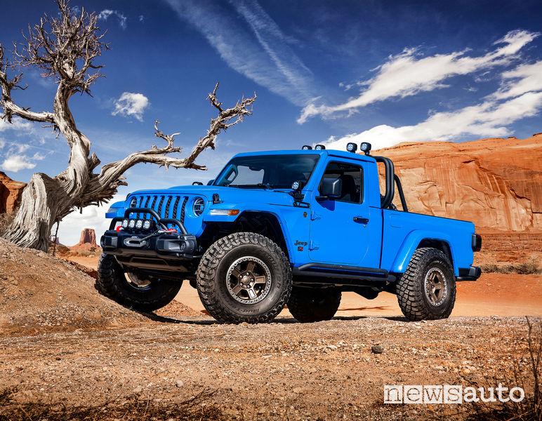 Jeep J6 vista di profilo