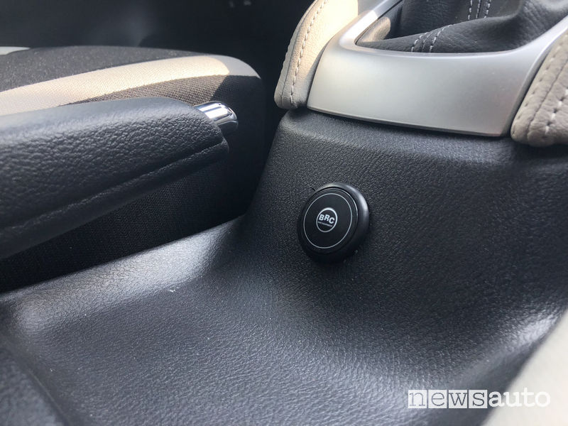 Indicatori a LED GPL BCR sulla Nissan Micra