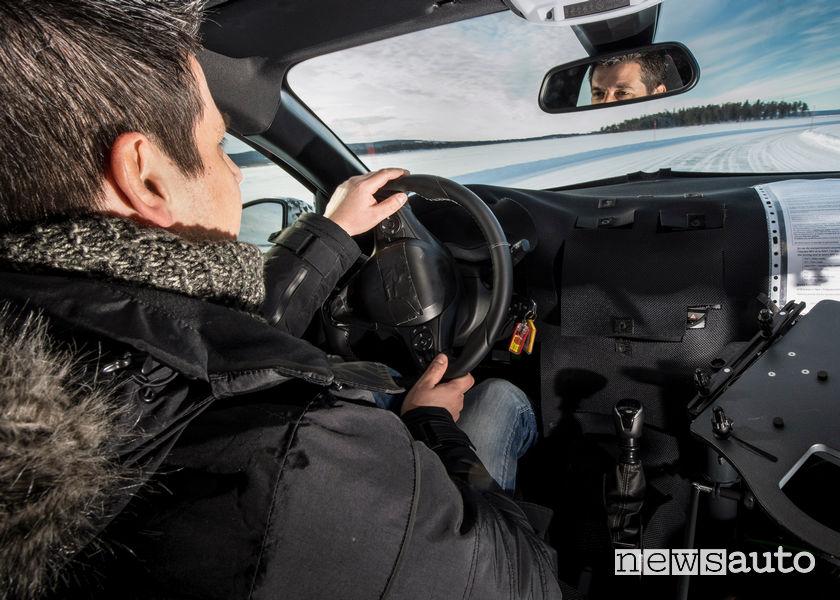 Abitacolo nuova Opel Corsa test sperimentale ESP e ABS in Lapponia