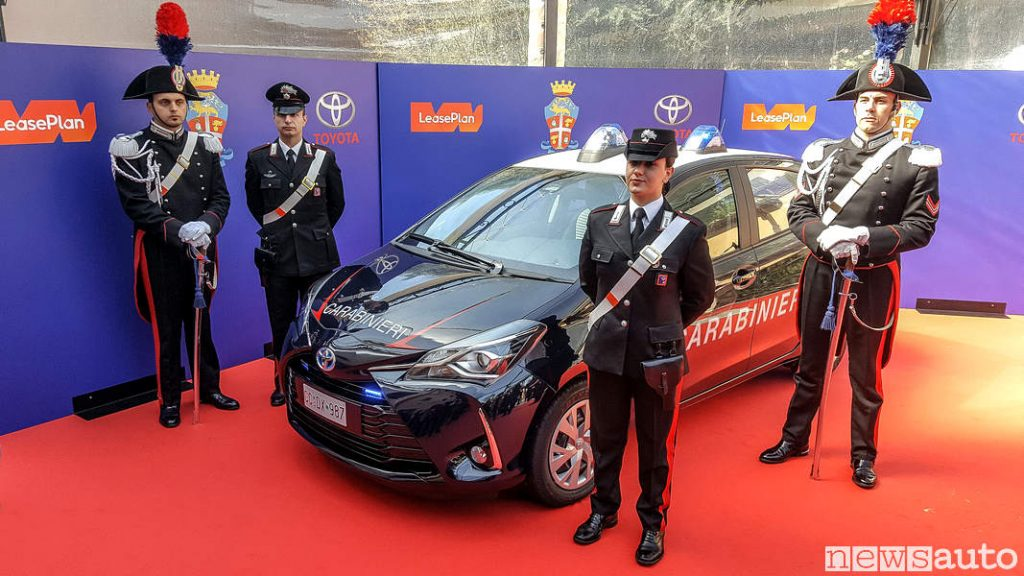 Toyota_Yaris Hybrid Carabinieri presentazione