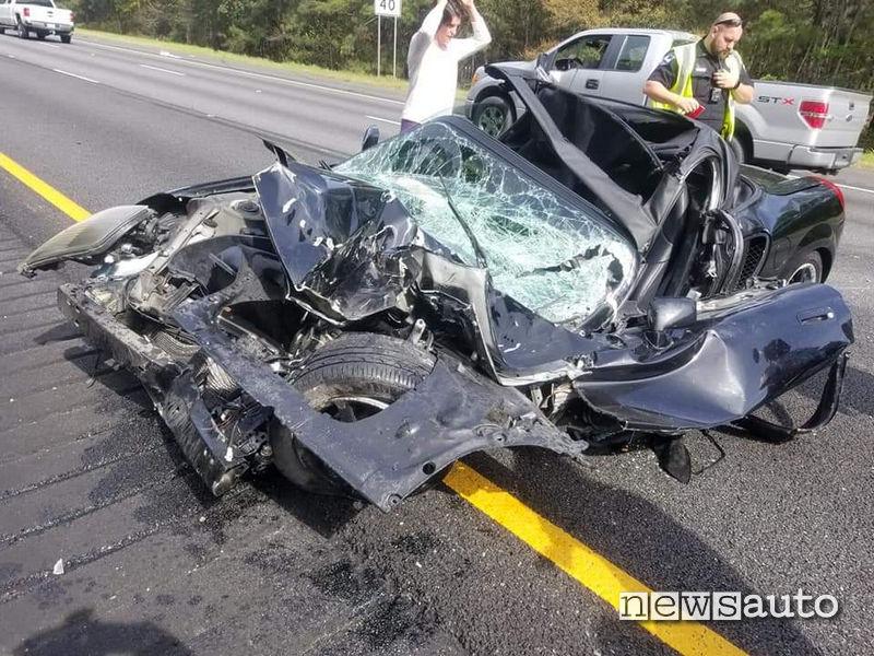 terribile  incidente toyota mr2 1