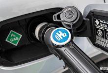 Photo of Mobilità del futuro, l'auto ad idrogeno scalzerà quella elettrica?