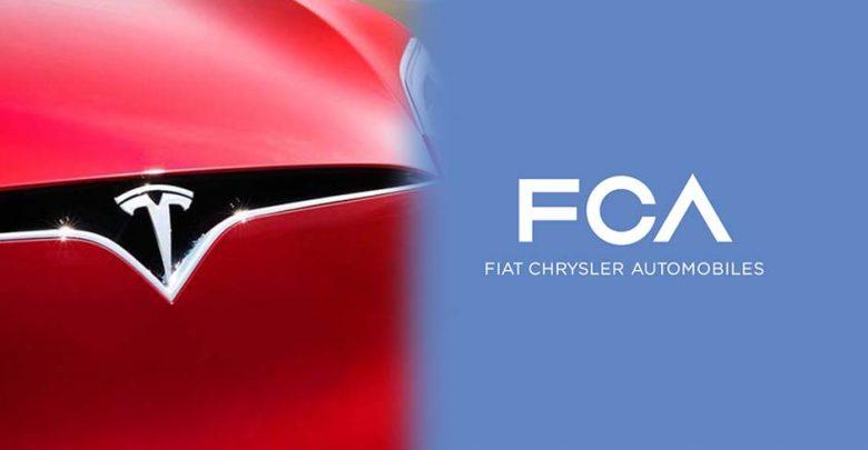 Logo FCA e Tesla Accordo