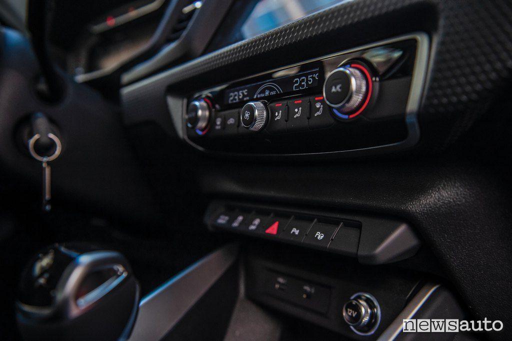 climatizzatore auto per abbassare la temperatura dell'abitacolo va usato con moderazione
