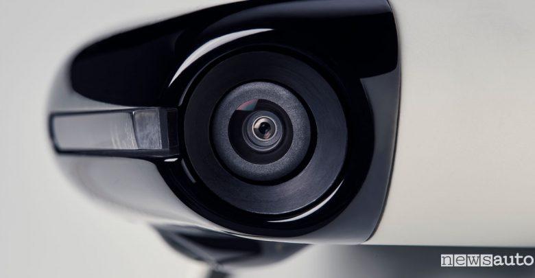 Specchietti retrovisori digitali Honda e elettrica