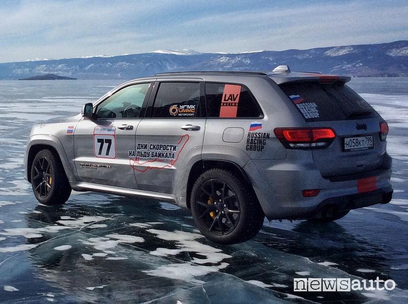 Jeep Grand Cherokee Trackhawk record di velocità su ghiaccio