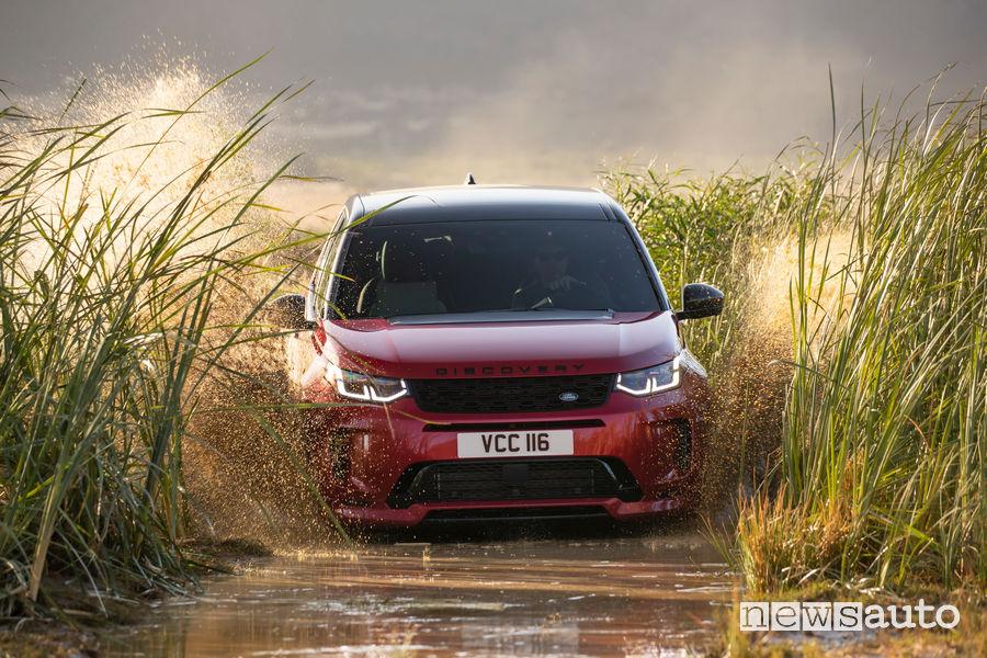 Land Rover Discovery Sport guado