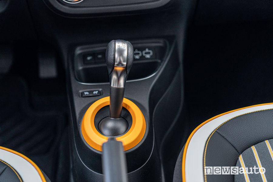Nuova Renault Twingo 2019 leva cambio automatico EDC a 6 rapporti