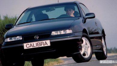 Opel Calibra auto sportiva anni '90