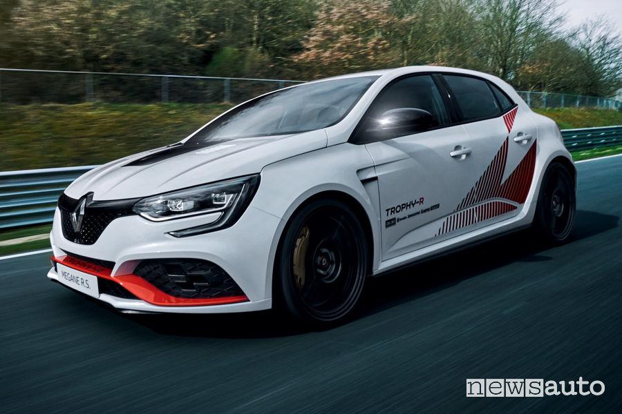 Renault Megane R.S. Trophy-R record al Nürburgring