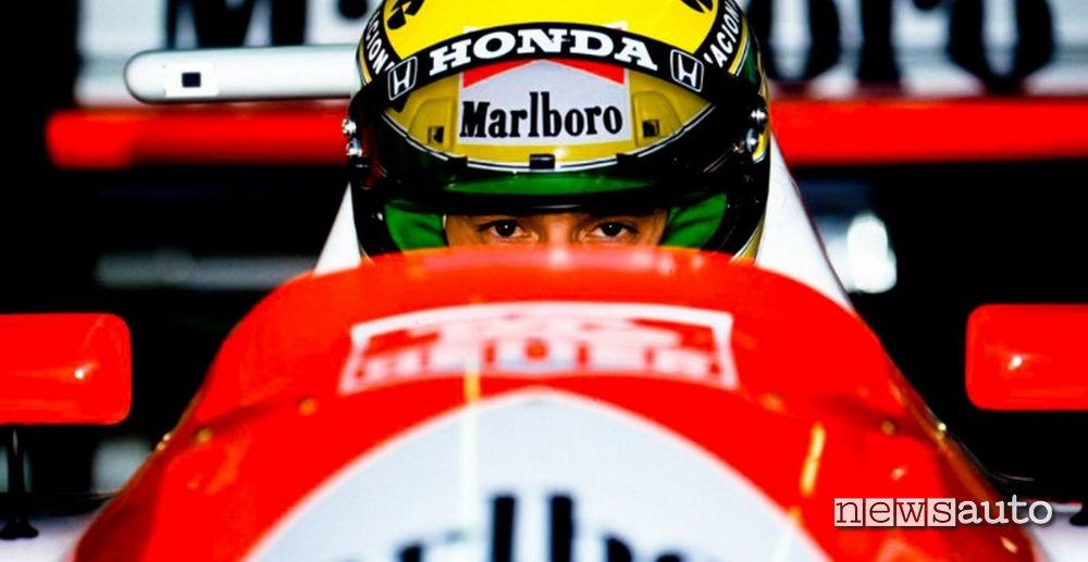Gli occhi di Ayrton Senna nell'abitacolo della sua F1
