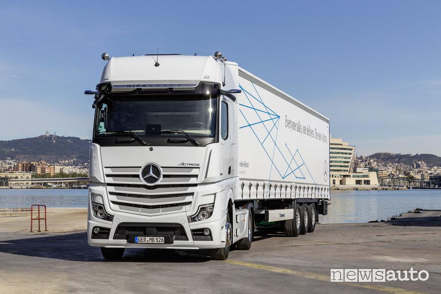 Mercedes-Benz Actros al porto