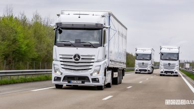 Photo of Mercedes Actros, truck a guida semiautonoma