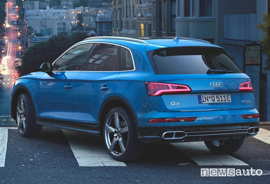 Audi Q5 TFSI e ibrido plug-in vista posteriore
