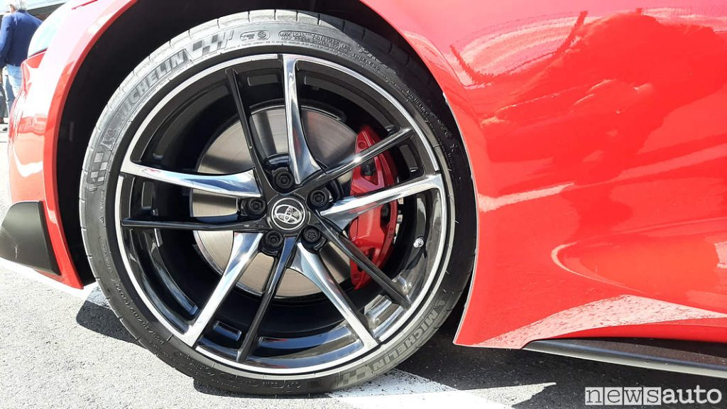 Michelin Super Sport 255/75 da 19 pollici
