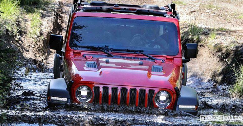 Fuoristrada duri e puri Jeep Wrangler