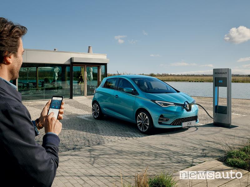 Ricarica e controllo da remoto con APP dallo smartphone per la Renault Zoe