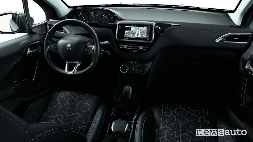 Peugeot 2008 Signature plancia strumenti