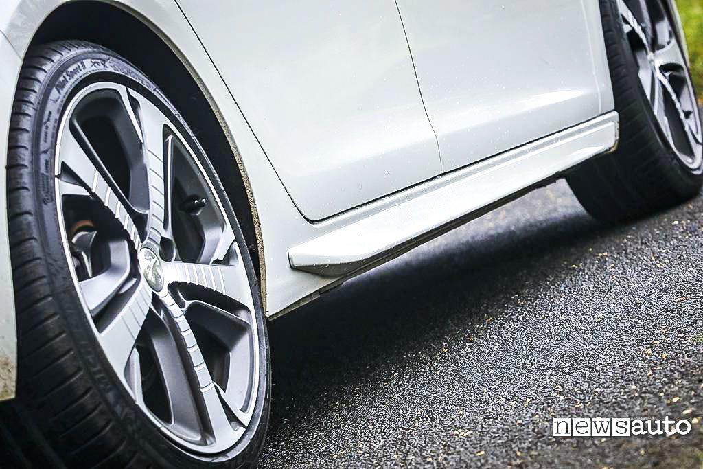 Peugeot 308 GT HDi cerchio e minigonna