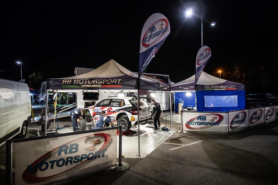Parco assistenza RB Motorsport, dove i ladri estorsori hanno effettuato  il furto di ricambi per auto da competzione