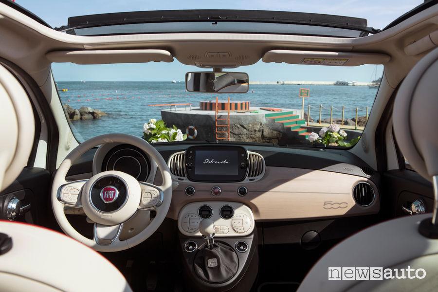 Fiat 500C Dolcevita cabrio plancia strumenti
