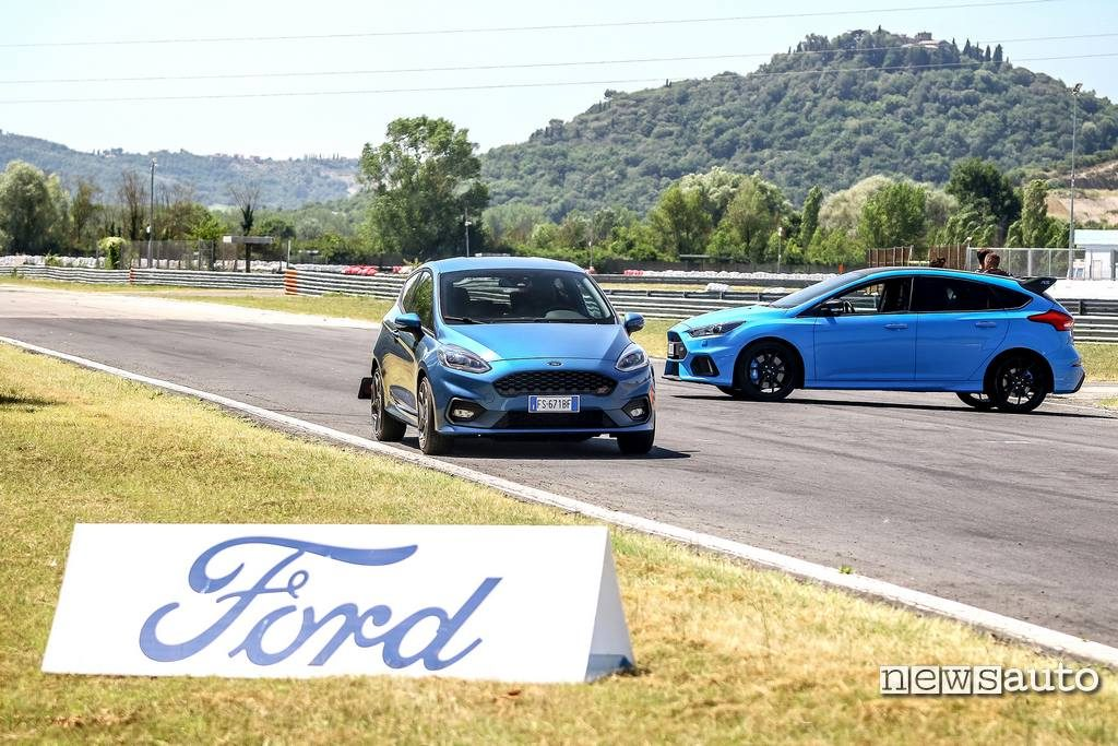 Magione Ford Fiesta ST e Ford Focus RS della Ford Performance Driving University