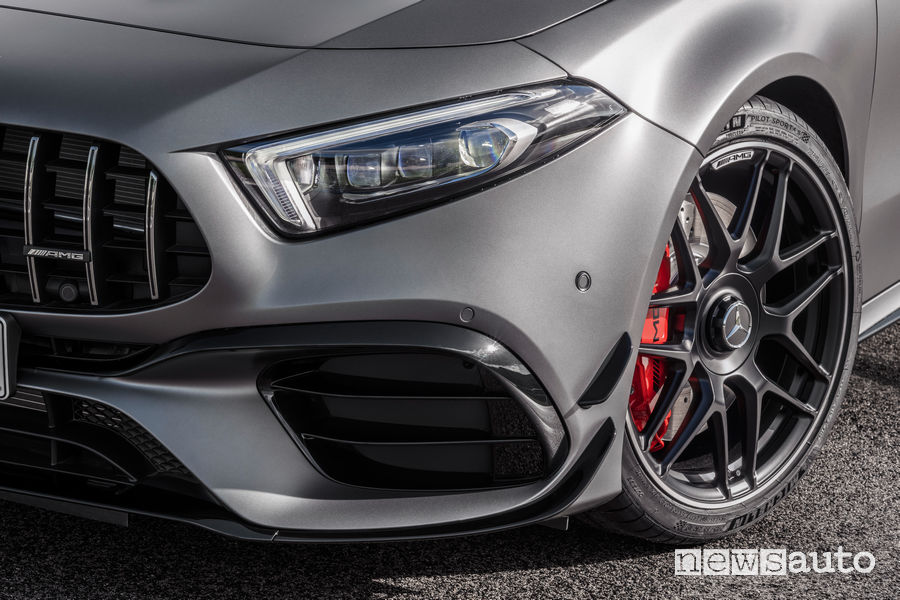 Mercedes-AMG A 45 S 4MATIC+ impianto frenante