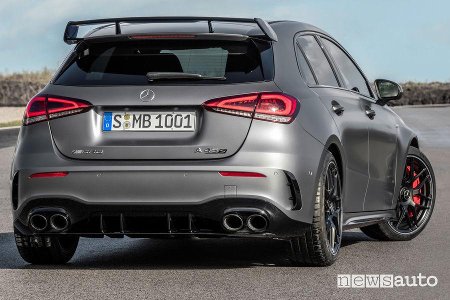 Mercedes-AMG A 45 S 4MATIC+ vista posteriore