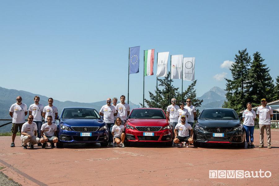 Foto di gruppo del corso di rally Peugeot al Ciocco