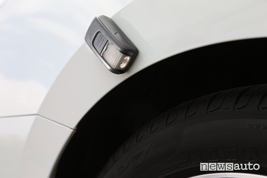 Luce d'emergenza magnetica Skoda Superb Wagon