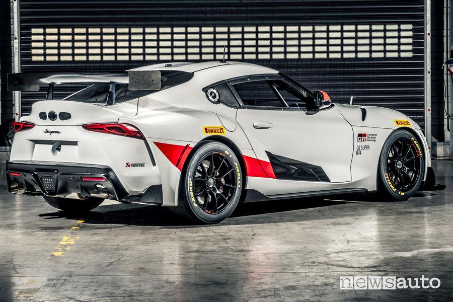 Toyota GR Supra GT4 vista posteriore