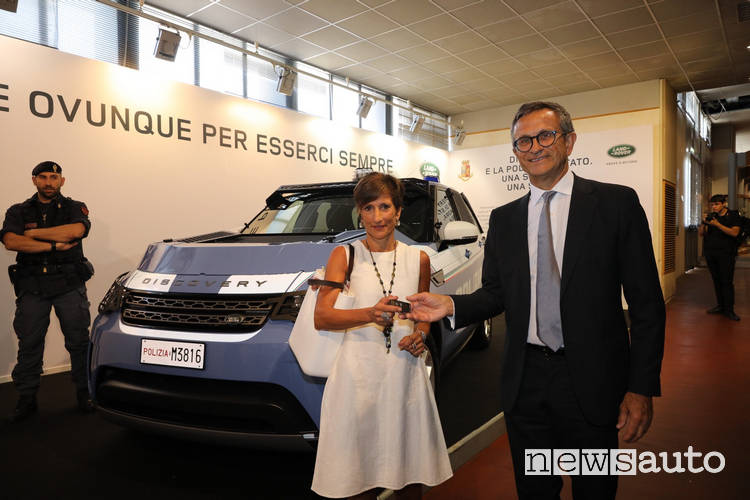 Land Rover Discovery polizia Daniele Maver presidente Jaguar Land Rover Italia