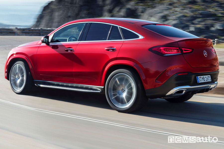 Mercedes-Benz GLE Coupé 2019 vista posteriore in movimento