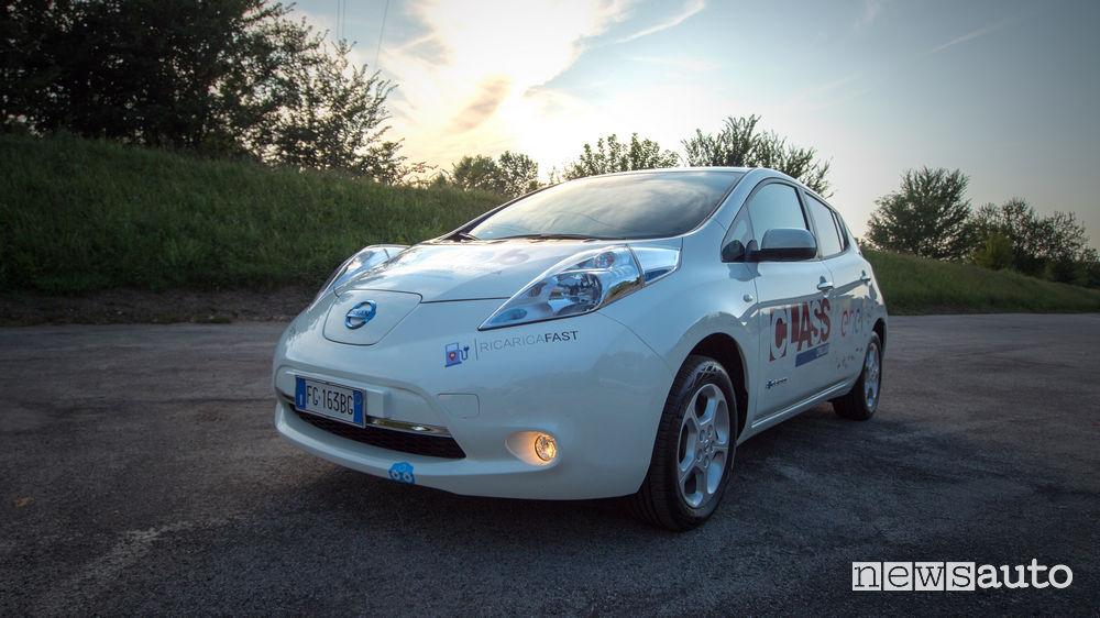 Giro d'Italia 100% elettrico con la Nissan Leaf