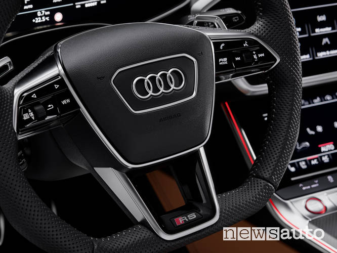 Audi RS6 Avant 2020 sterzo progressivo