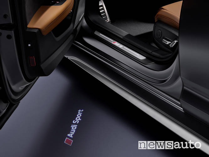 Audi RS6 Avant 2020 interni logo Audi Sport
