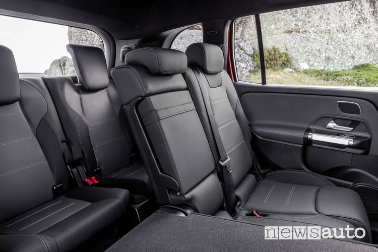 Sedili 7 posti, tre file per il Mercedes-AMG GLB 35 4MATIC sedili