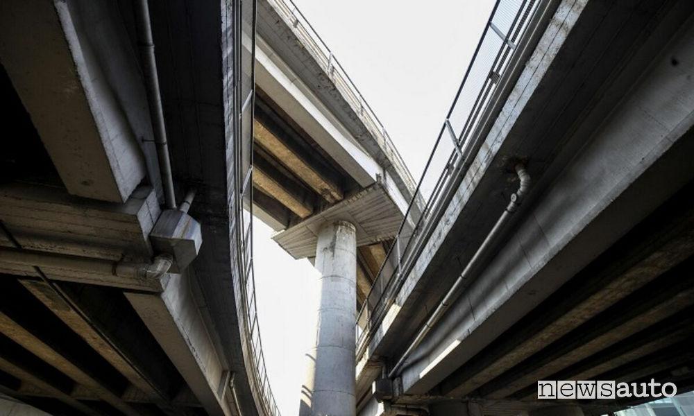 demolizione della sopraelevata della Tangenziale Est