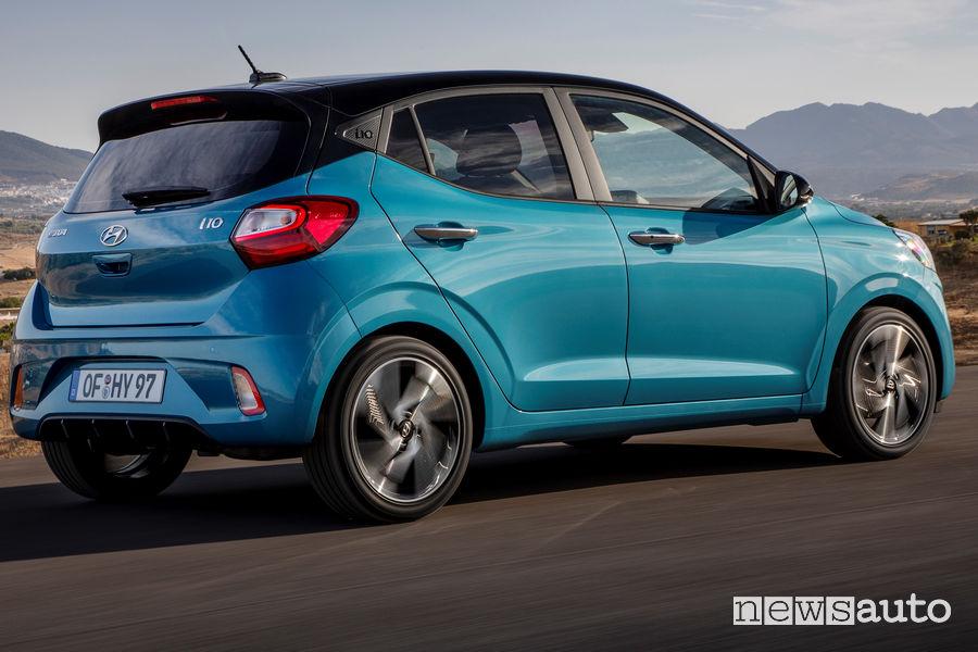 Cerchi in lega e fiancata laterale rinnovata sulla Hyundai i10 2020