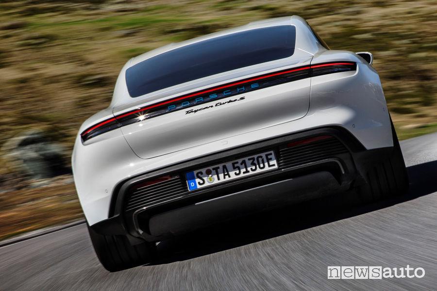 Porsche Taycan Turbo S paraurti, portellone posteriore