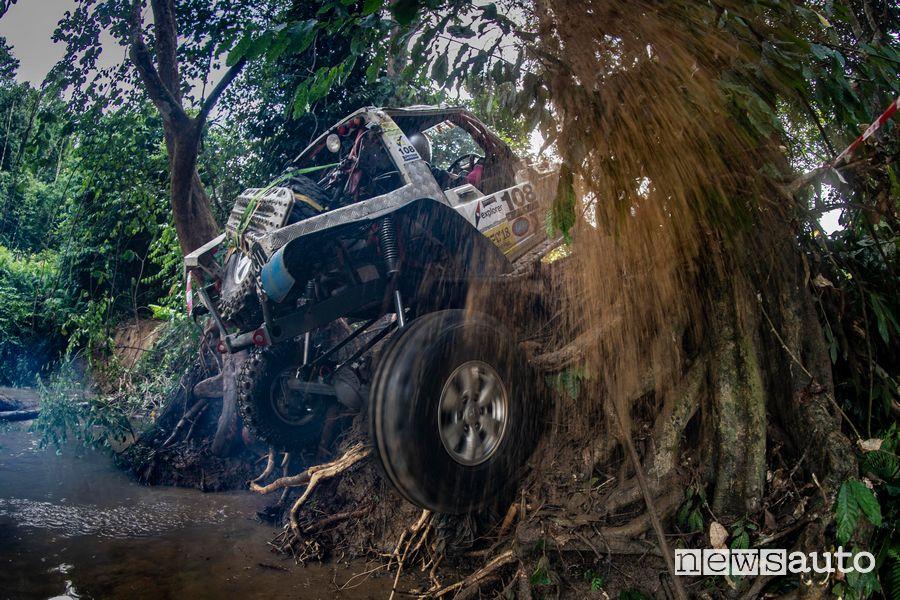 Passaggio hard prototipo off road Rainforest Challenge Malesia edizione 2018